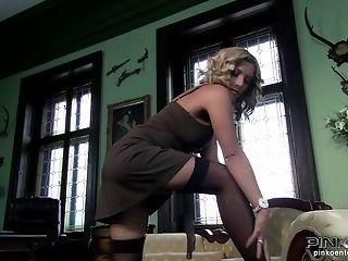 Posh Italian Mature female luvs A bare worshipped inbetween Her gams free sex