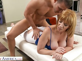 Eye catching cougar Sara Jay gets intimate with handsome young fitness instructor