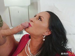 mature brunette Rita Daniels craving for hard penis in her pussy