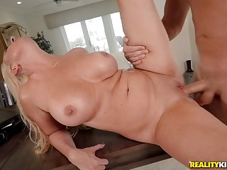 Janna Hicks let her son fuck her as hard as he can