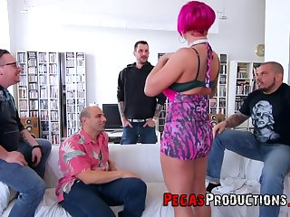 Nalaa Dufoxx can't decide which dick is her favorite so she sucks all of them