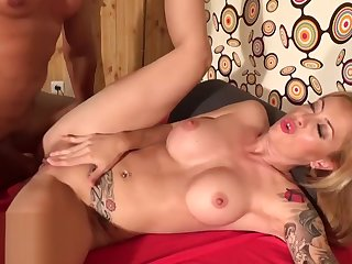Extremely rough anal sex finished with anal creampie.