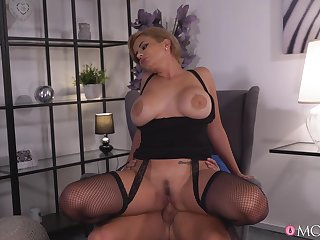 Dirty talking MILF takes meaty cock as deep as she can