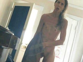Skinny MILF Revealed (slomo)