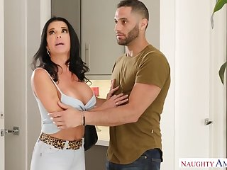 housewife Knows How To Ride A Cock - veronica avluv