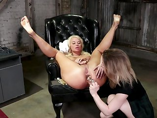 Wild lesbian anal fuck play with two naked sluts