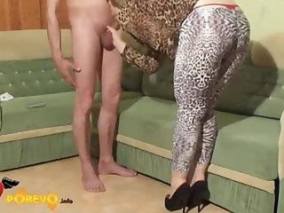 Homemade tape of amateur MILF housewife in sexy leopard pantyhose