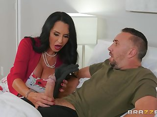 Pervert doctor Rita Daniels pleased Keiran Lee with hardcore sex