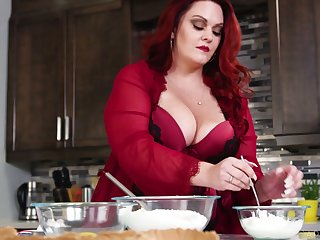 Super horny red haired SSBBW Alexa Grey loves riding sloppy cock
