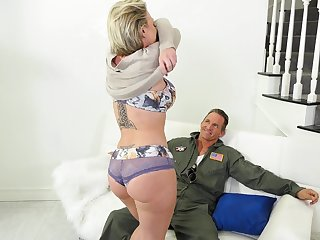 Fantastic MILF Dee Williams loves the way hubby sucks her boobs as she rides him