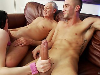 Guy shares pussy with his old man and the bitch loves it