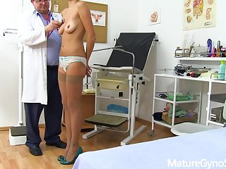 Tall mature lady Monique gyno fetish video