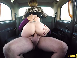 Married woman rides the cab driver's dick big time