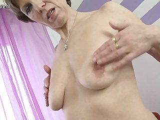 Naughty Housewife Playing With Her Toy - MatureNL