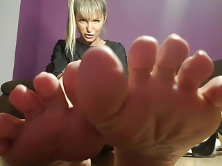 Foot fetish,feet job, smell fett,lick feet