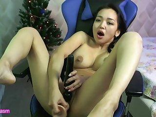 Asian MILF cums on her dildo