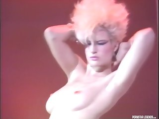 Blonde Porn Star Legend Lois Ayres Shakes Her Ass Before Getting Fucked On Stage