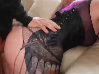 Thick arse Yankee porn industry star is boinking a boy on the bed and lovin' it a bunch