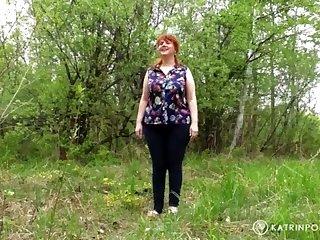 Wifey boinked by a alien In the park