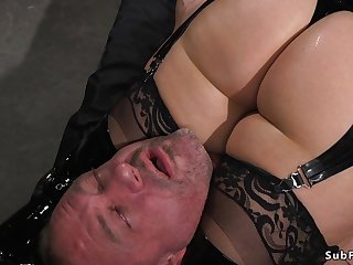 Mom mistress in latex anal hardcore bangs slave