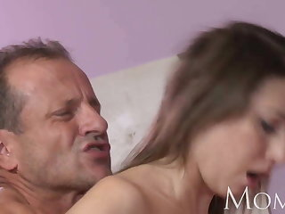 MOM MILF can not stop squirting when she cums