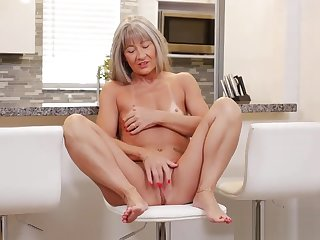 Mature Mother Leilani Lei Gets Fucked Hot Young Son's Friend