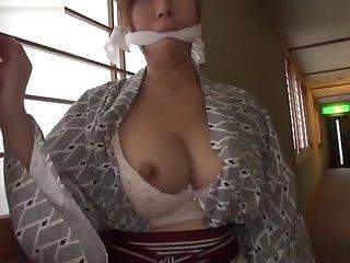 CHIHIRO AKINO Exposure in Japanese Ryokan 2 - CARIBBEANCOM