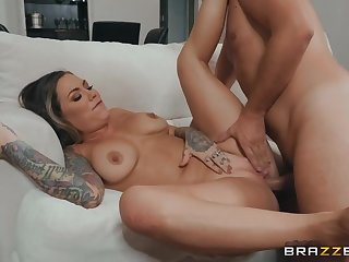 Eating a tasty milf cunt and pounding this dirty slut